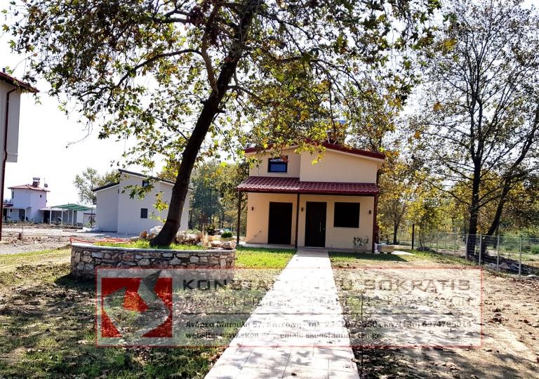 Εξοχική - Ισόγεια κατοικία με σοφίτα στην Πλάκα Λιτοχώρου